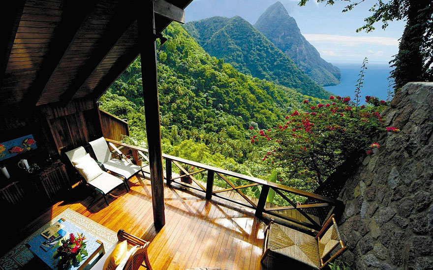 rooms-with-amazing-view-2__880
